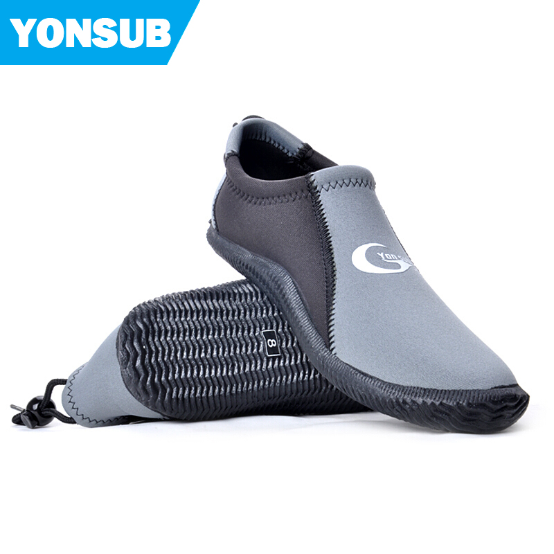 Commercial 3 mm neoprene scuba diving boots