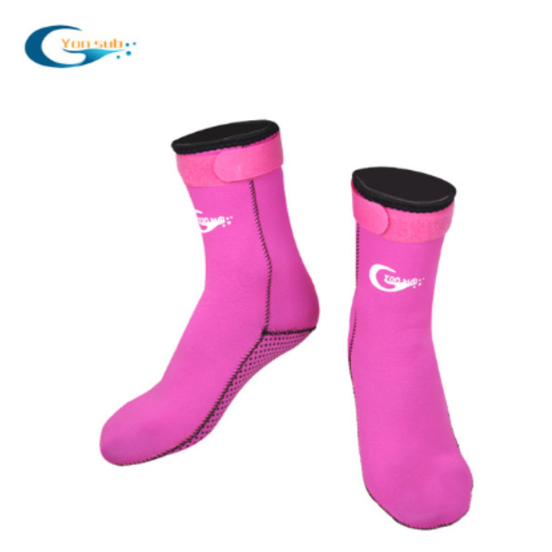 Anti-slip neoprene beach diving and snorkeling socks for water sports